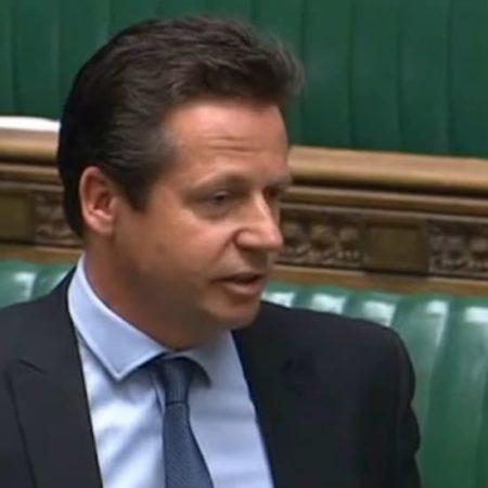 MP Nigel Huddleston ruft dazu auf, den Kundenschutz zu verbessern